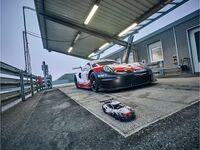LEGO Technic 42096 - Porsche 911 RSR Original und Modell