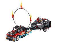 LEGO Technic 42106 - A-Modell Seitenansicht vorne links mit Feuerreifen