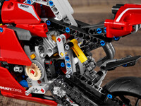 LEGO Technic 42107 - A-Modell Motor
