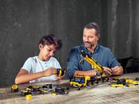 LEGO Technic 42108 - Vater und Sohn beim Bauen